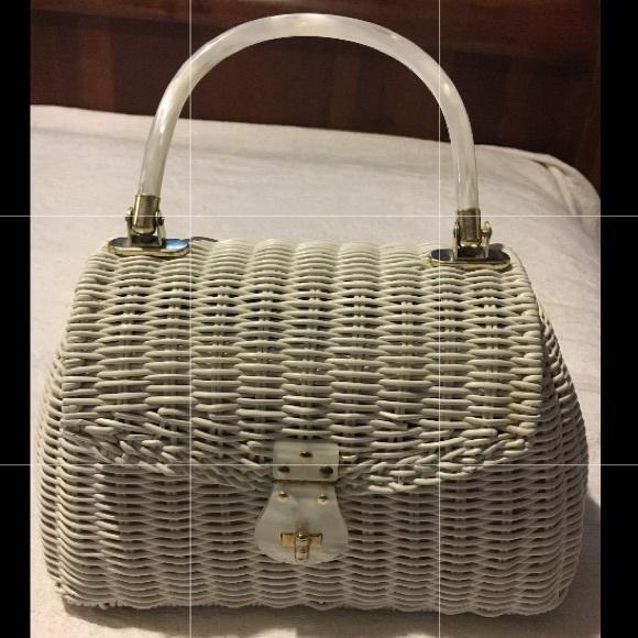 Vintage Handbags - Vintage Wicker basket Bag